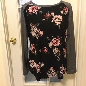 Rue  21 Woman's top size XL